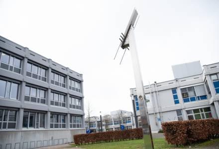 Bis heute steht die Friedensuhr auf unserem Campus. (Foto: FH Münster/Katharina Kipp)