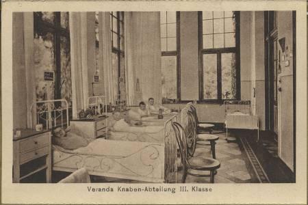 Krankenbetten in den 1930er Jahren