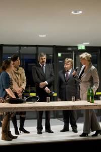 Journalistin Andrea Dickbertel moderierte die Talkrunde mit Staatssekretär Dr. Michael Stückradt, FH-Kanzler Dr. Werner Jubelius, Fachbereichsdekanin Prof. Cordula Hesselbarth und Studierendenvertreterin Rabea Köjer (v.r.n.l.).