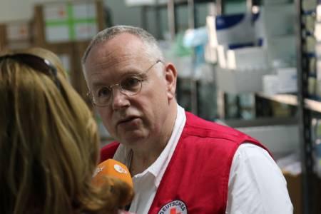 Prof. Dr. Joachim Gardemann im Gespräch mit dem ZDF zu seinem Einsatz in Jordanien, 2014. (Foto: privat)