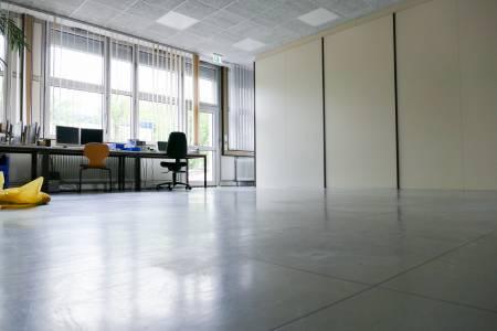 Ohne Modellfabrik ist das Labor für Steuerungstechnik kaum wiederzuerkennen. (Foto: FH Münster/Jana Schiller)