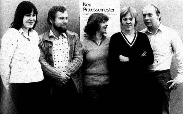 September 1979: Die Studierenden des Fachbereichs Wirtschaft, die erstmals das neu eingeführte Praxissemester absolvierten, treffen sich zu einem Erfahrungsaustausch. (Foto: FH Münster/Archiv)