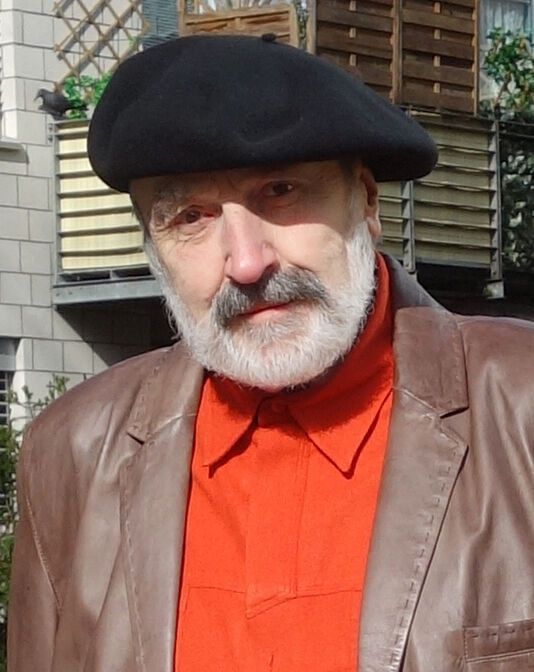 Wilfried Schröder ist der Schöpfer des Signets der FH Münster – nach seinem abgeschlossenen Studium an der FH arbeitete Schröder unter anderem bis zu seinem Ruhestand 2009 als wissenschaftlicher und anatomischer Zeichner am UKM. (Foto: privat)