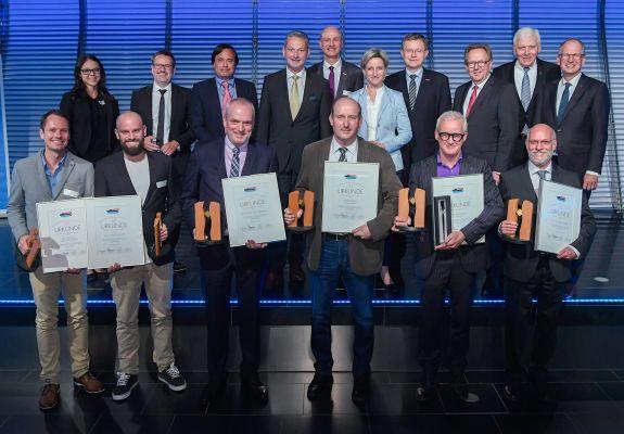 Die Preisträger der Seifriz-Preise 2018 (v.l.): Marco Krückemeier, Christopher Kreft (Deutsche Sporthochschule Köln), Prof. Dr. Klaus Baalmann (FH Münster), Hubertus Haking, Frank Brormann und Prof. Dr. Jürgen Peterseim (FH Münster). (Foto: KD Busch/BWHT)