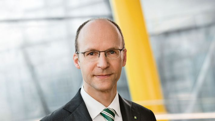 Dr. Mathias Kleuker, Vorstandsvorsitzender der LVM Versicherung, gratuliert unserer Hochschule zum 50. Geburtstag.