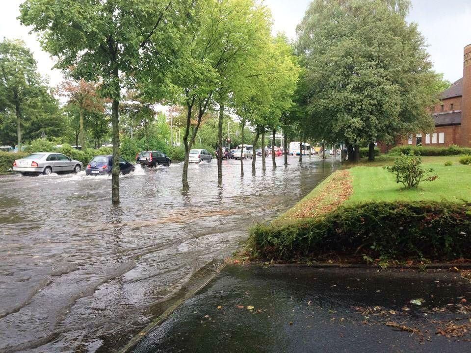Starkregen sorgt für Überflutungen in Innenstädten – wie hier zum Beispiel in Münster im Juli 2014. (Foto: FH Münster/Anne Holtkötter)